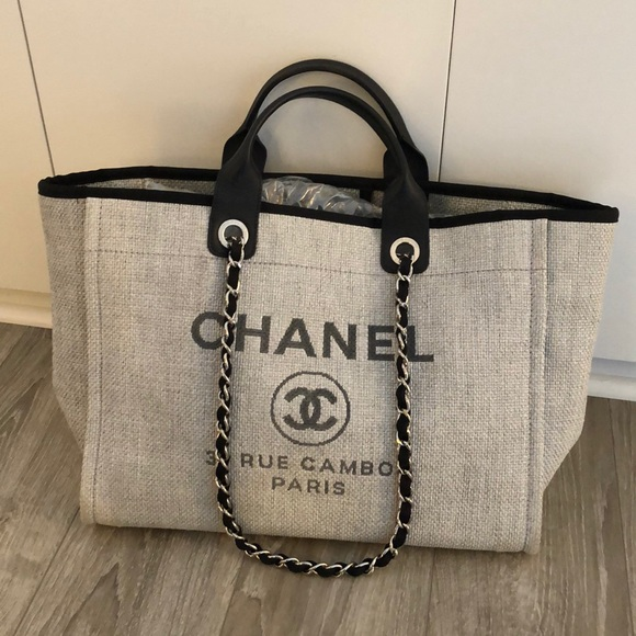 62959a162 CHANEL Handbags - Chanel Deauville Tote - like new